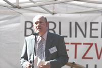 Herr Ecker-Lassner von der Regionaldirektion der Bundesagentur für Arbeit, lobte die Schüler/-innen